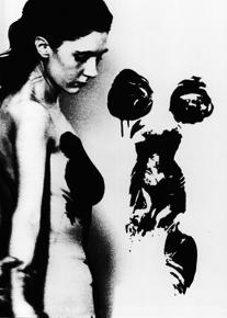 Yves Klein, présentation publique des Anthropométries de l'époque bleue, 9 mars 1960, Galerie nationale d'Art Contemporain