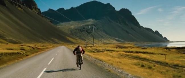 Ben Stiller fuit le quotidien dans La Vie Rêvée de Walter Mitty (Ben Stiller, 2013)