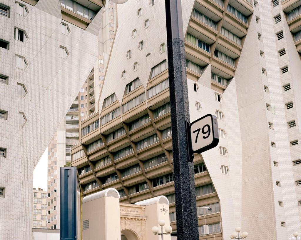 Sans titre (Les Façades), 2003 © Valérie Jouve / ADAGP, Paris 2015. Courtesy galerie Xippas, Paris