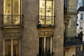 Gail Albert Halaban, « Out My Window », Paris Views, 2012. Source : http://www.cristinamello.com.br/?m=2014&paged=3.