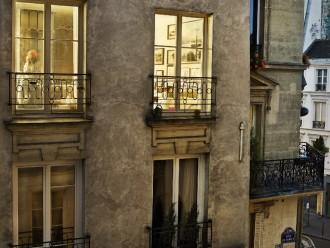 Gail Albert Halaban, «Out My Window», Paris Views, 2012. Source: http://www.cristinamello.com.br/?m=2014&paged=3.