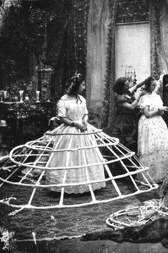 Crinoline victorienne, 1860, © London Stereoscopic Company