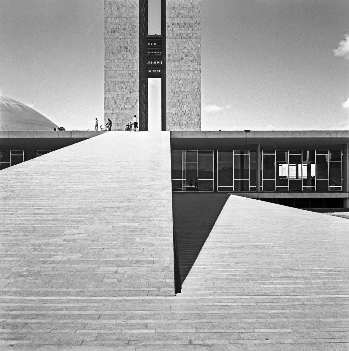 Marcel Gautherot-Brasilia3-manifesto21