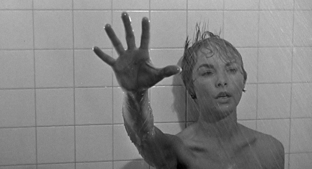 Une douche, des violons, et Herrmann transforma la musique de film