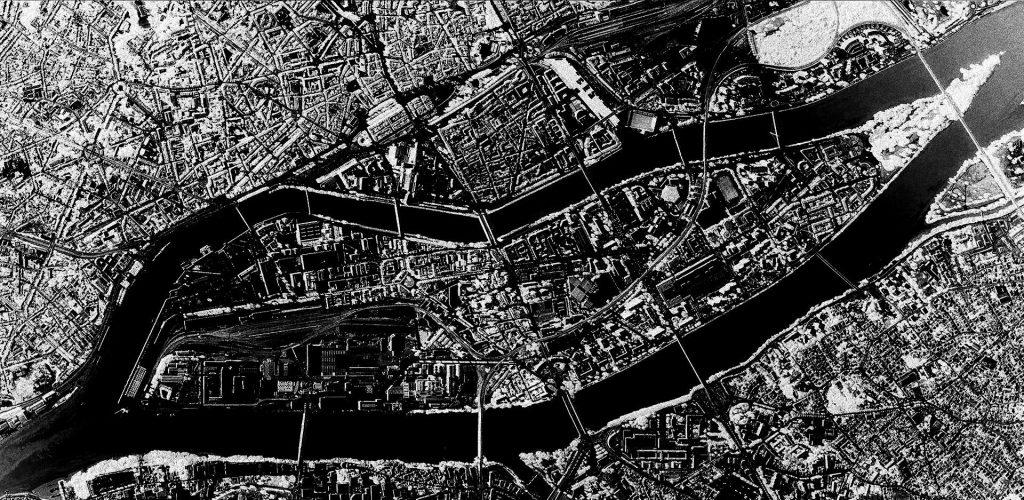 Vue Satellite de Nantes (UVB 76 live extract)