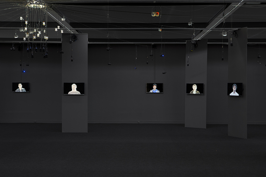 The Rumor of the World, Installation vidéo et sonore. Installation On SCAM (I first must apologise), 2014 ©Joana Hadjthomas et Khalil Joreige