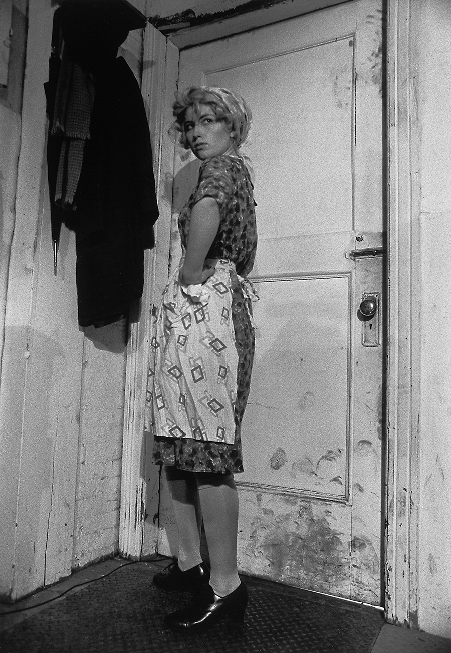 Cindy Sherman, Untitled Film Still #35, 1979, Tirage gélatino-argentique noir & blanc 40,3 x 31,4 cm. Courtesy of the artist and Metro Pictures, New York.